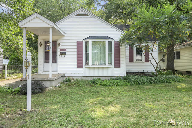 3916 Colby Sw Ave Wyoming, MI 49509