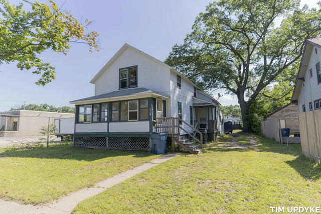 2720 8th St Muskegon Heights, MI 49444