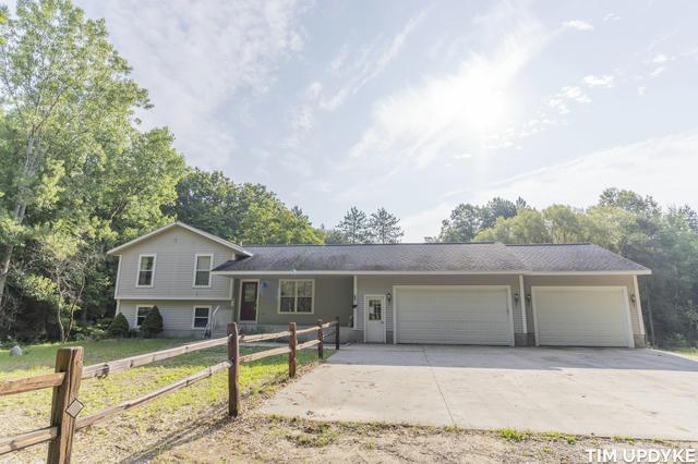 2842 S Maple Island Rd Ravenna, MI 49451