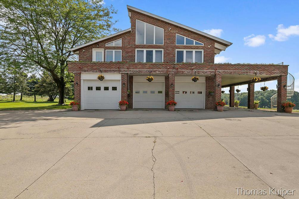 2850 9 Mile Nw Rd Grand Rapids, MI 49544