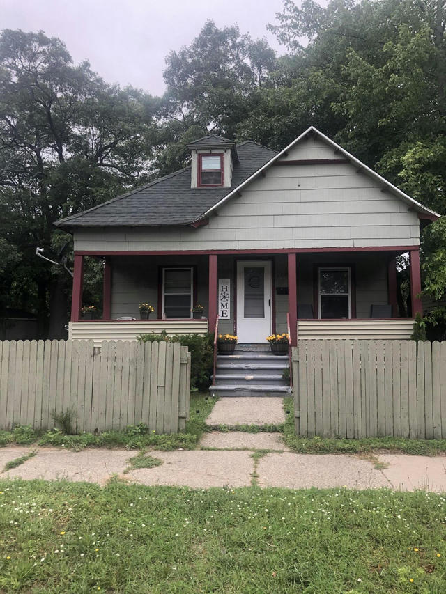 2105 6th St Muskegon Heights, MI 49444