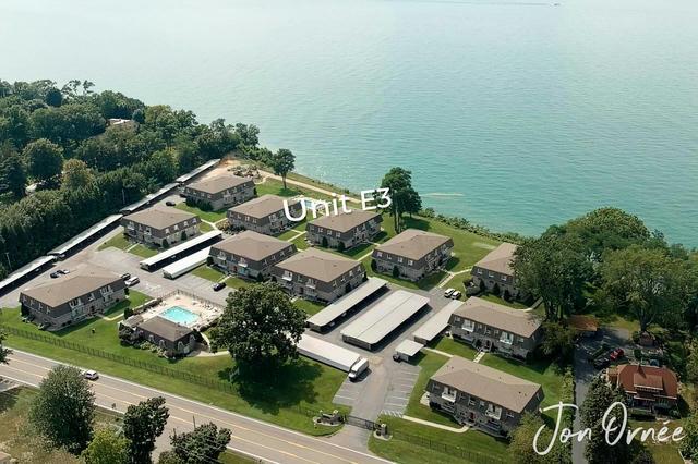 3616 Lakeshore E3 Dr St. Joseph, MI 49085