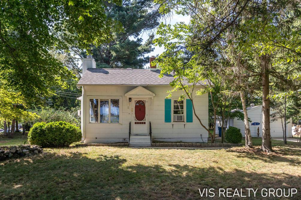1912 Grant Ave Ave Grand Haven, MI 49417
