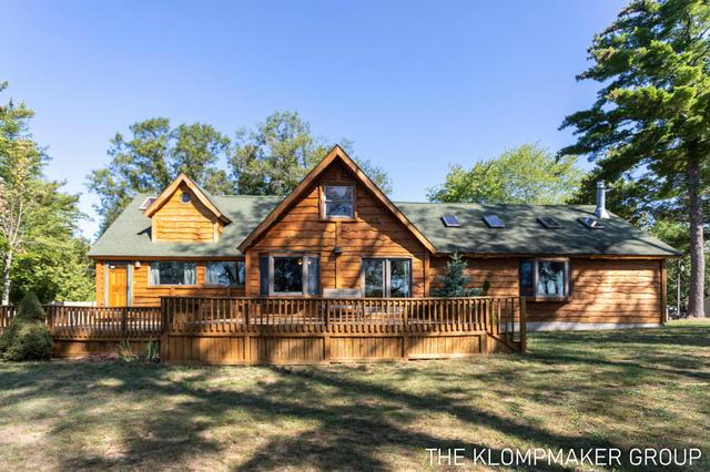 2544 Woodland Lake Dr Bitely, MI 49309