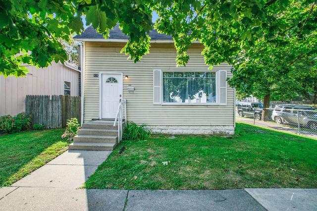 823 Alpine Nw Ave Grand Rapids, MI 49504