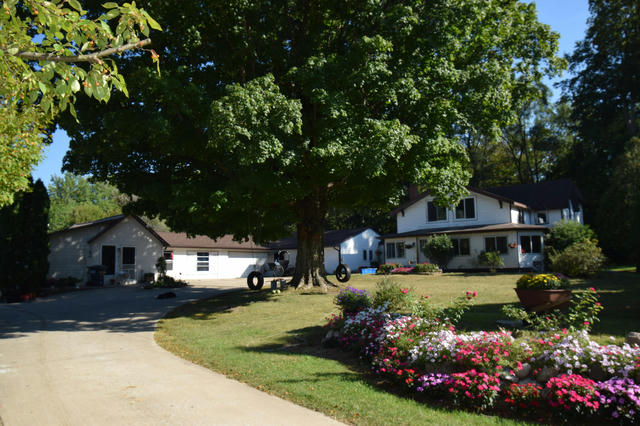 50221 County Road 681 Lawrence, MI 49064