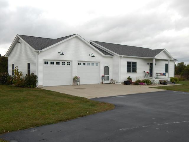 8009 N Ionia Rd Vermontville, MI 49096