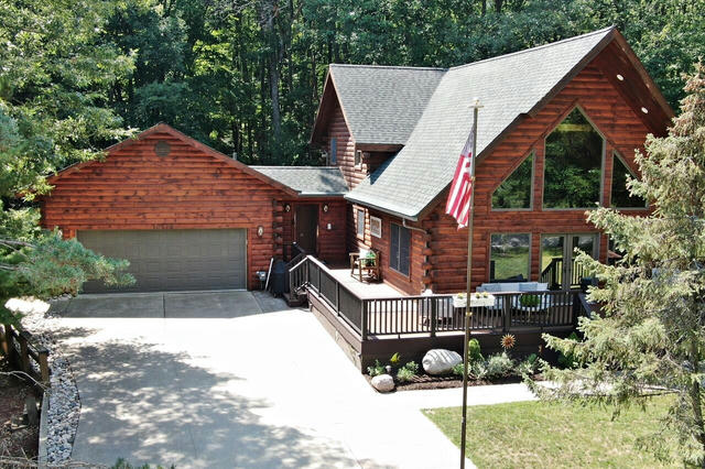 10175 Lost Canyon Dr Canadian Lakes, MI 49346