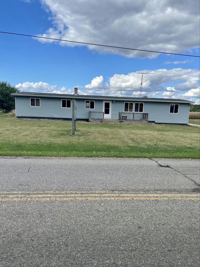 2900 Lilac Rd Hillsdale, MI 49242