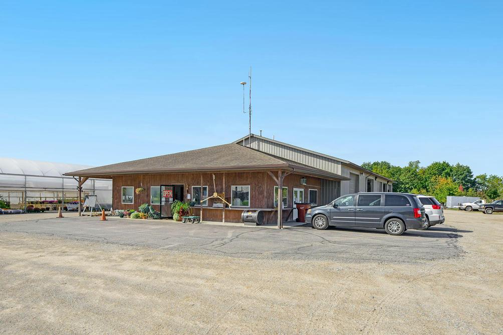 6162 S Greenville Rd Greenville, MI 48838