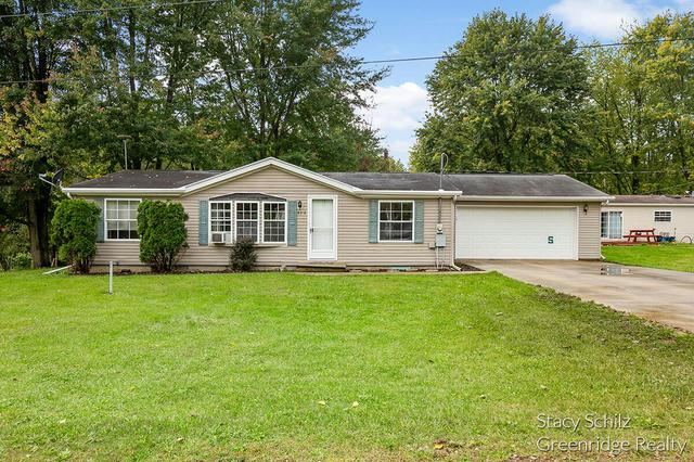 824 Linden St Vermontville, MI 49096
