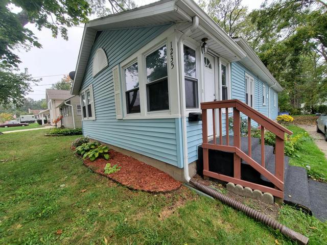 1235 Edith Ne St Grand Rapids, MI 49505
