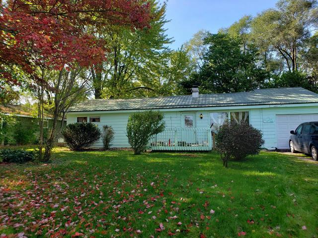1820 S Greenville Rd Greenville, MI 48838