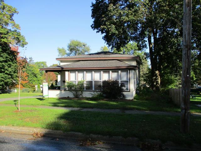 614 W Grove St Greenville, MI 48838