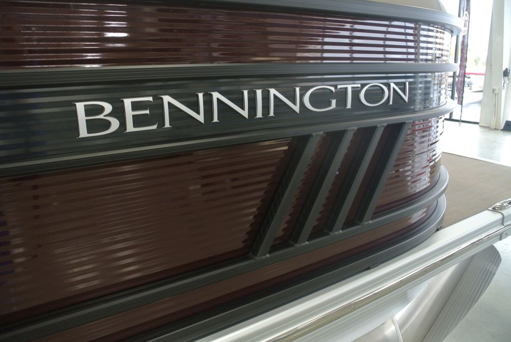 2021 Bennington LX Series 24LXSR