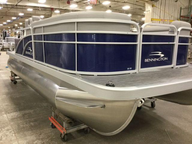 2021 Bennington SV Series 20SVL - 57J021