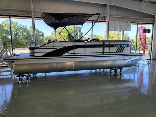2022 Bennington L Series 22LSB - 55G122