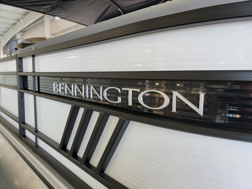 2022 Bennington L Series 22LSB