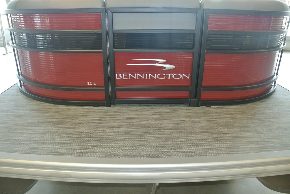 2022 Bennington L Series 22LSR