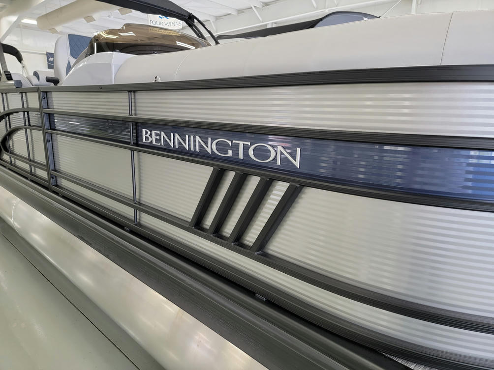 2022 Bennington LX Series 23LXFB