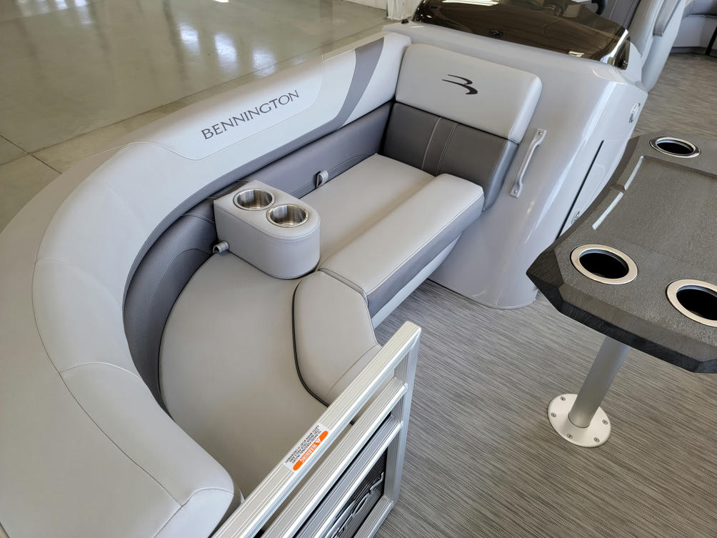 2022 Bennington SX Series 22SXSR