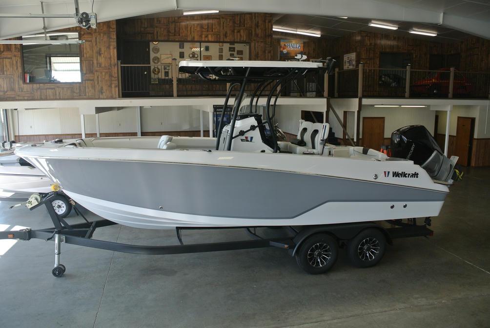 2022 Wellcraft Fisherman 242