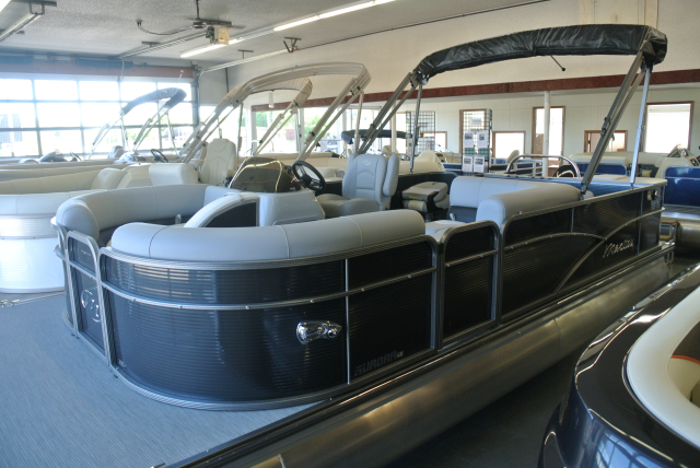 2019 Manitou Aurora Angler LE 20 Full Front VP - 55A919