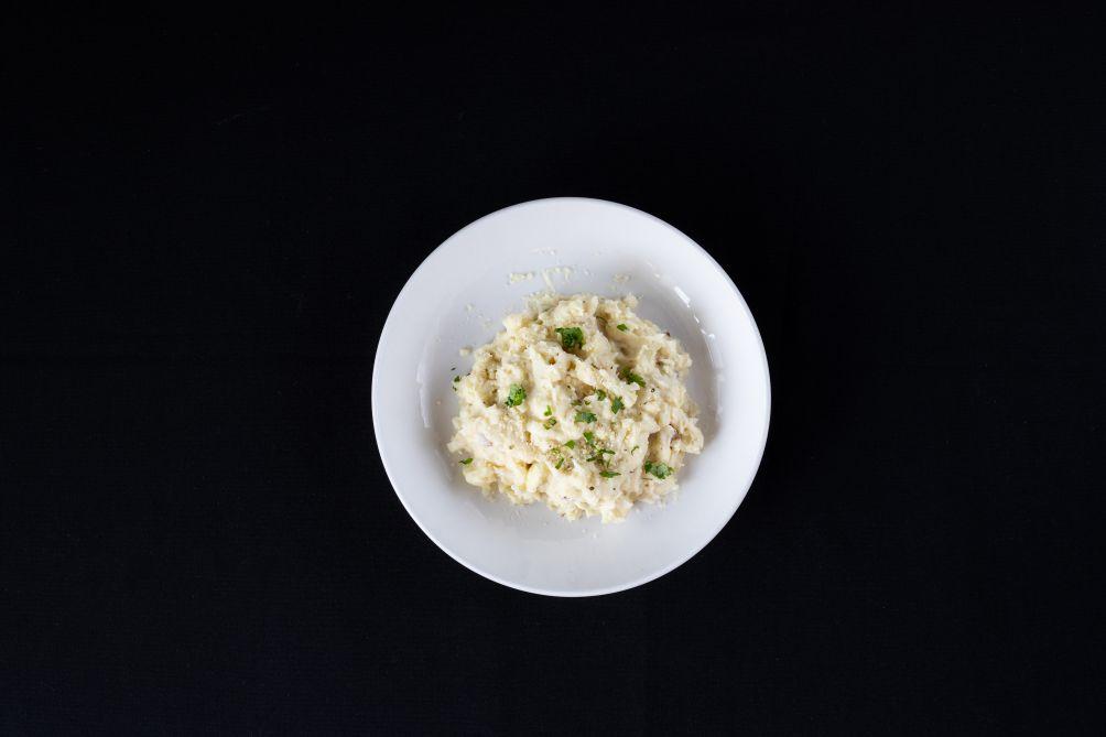 Roasted Garlic And Parmesan Cauliflower Mashed