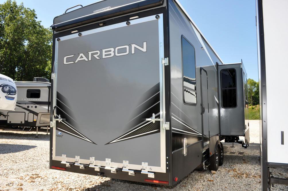 2021 Carbon 358