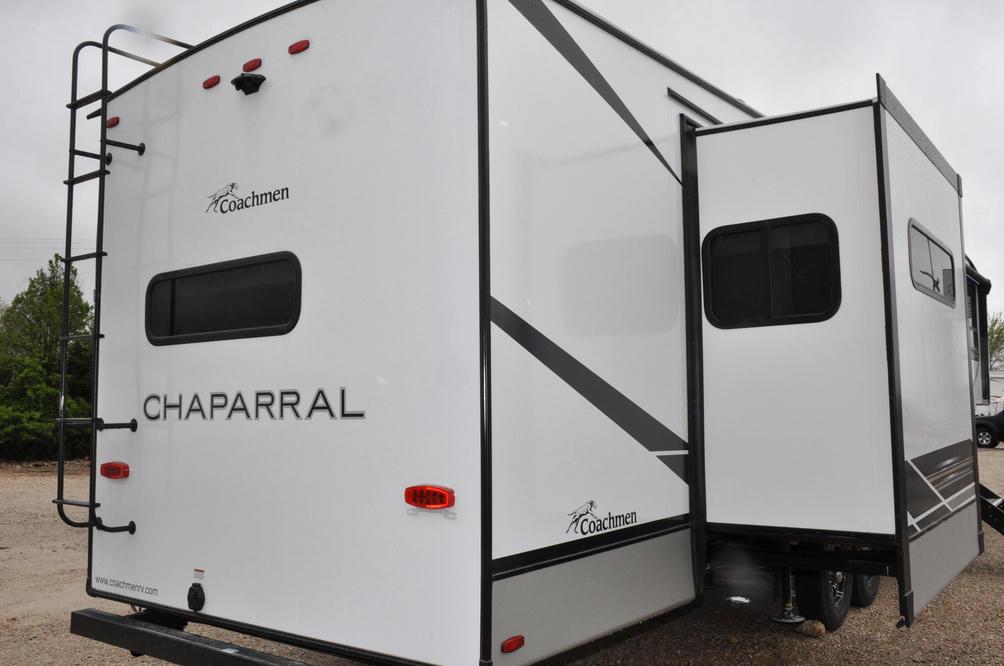 2021 Chaparral Lite 355FBX