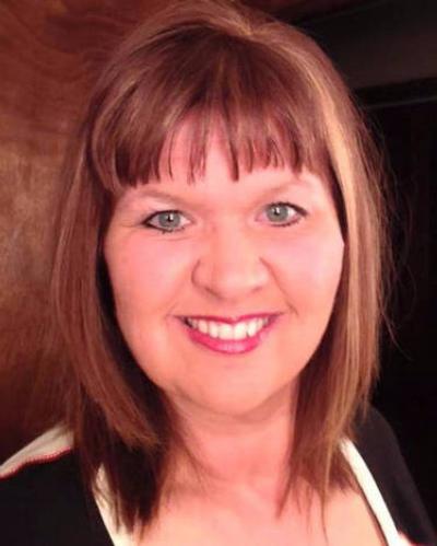Stephanie Schnelle