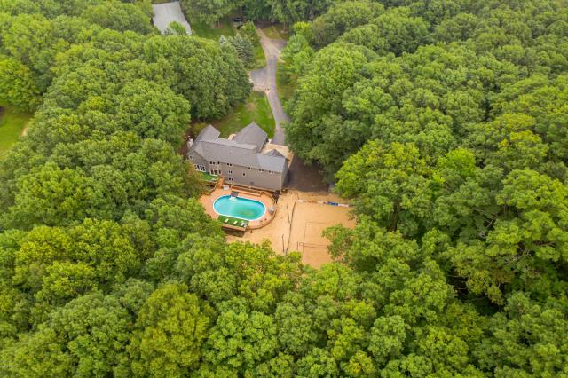 17895 Hidden Acres Ln Grand Haven MI 49417