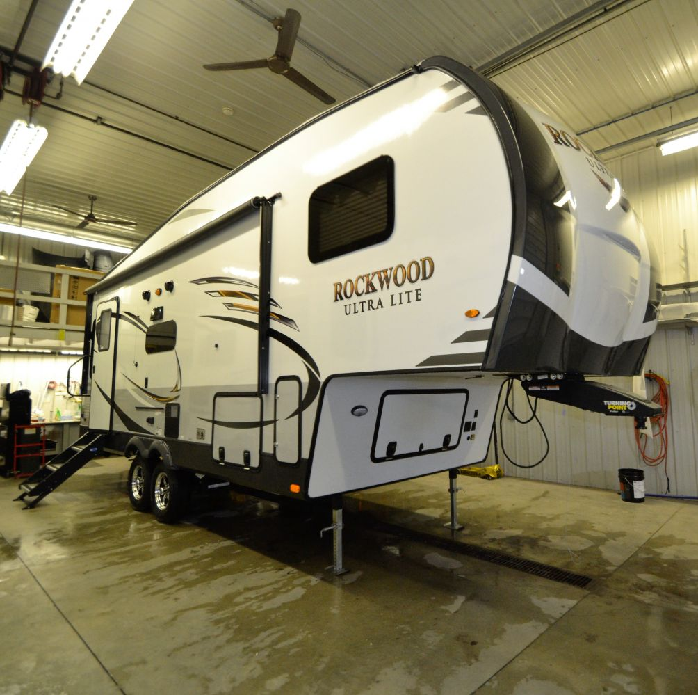 New 2019 Forest River Rockwood Ultra Lite 2441WS.37297
