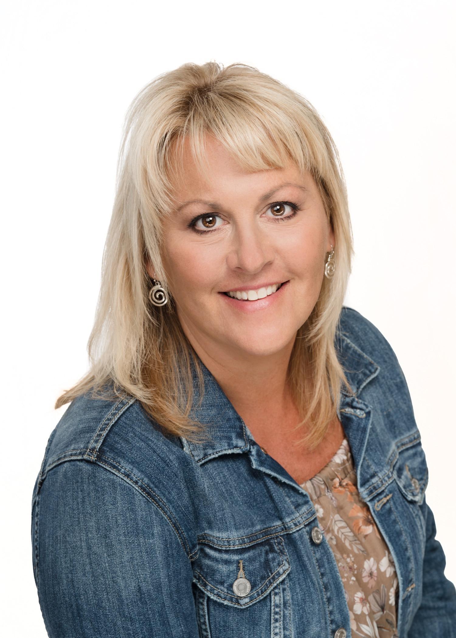 Lisa Cobb, LMSW