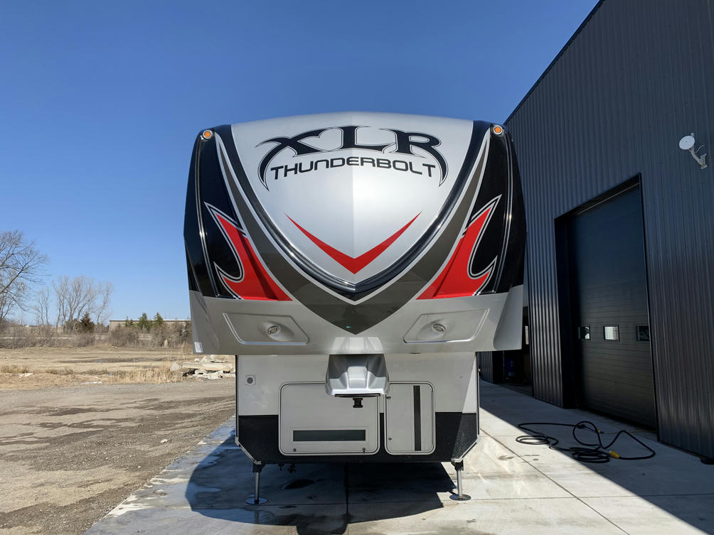 2015 XLR  401 AMP