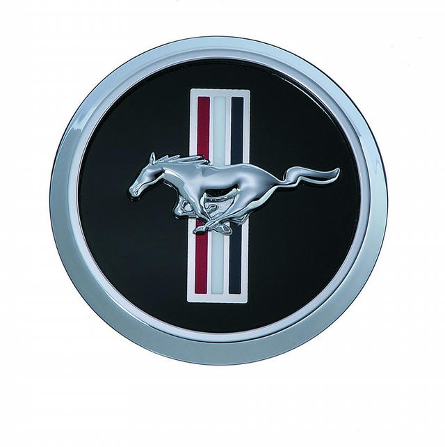 Bar & Pony Wheel Cap 05-06 Mustang