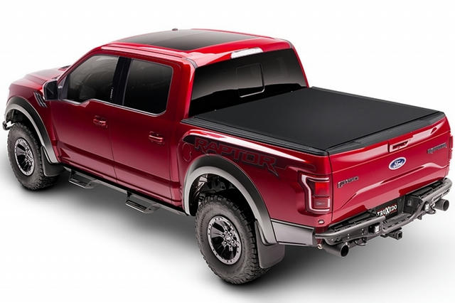 Sentry CT Bed Cover 17-18 Ford F-250 8' Bed