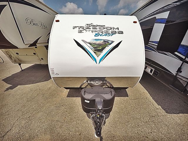 2019-coachmen-freedom-express-17-blse-033786-3