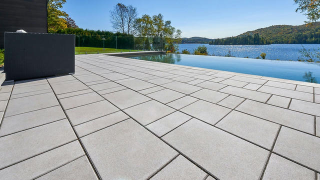beacon-hill-smooth-paver-opal-on-2-1920x1080-001