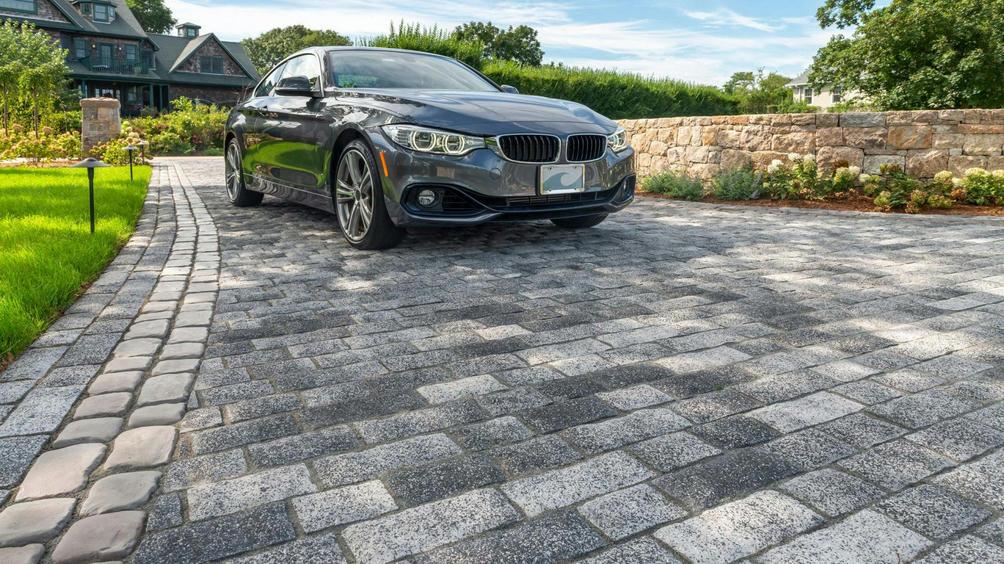 tribeca-cobble-paver-peppered-granite-5358-2-1920x1080