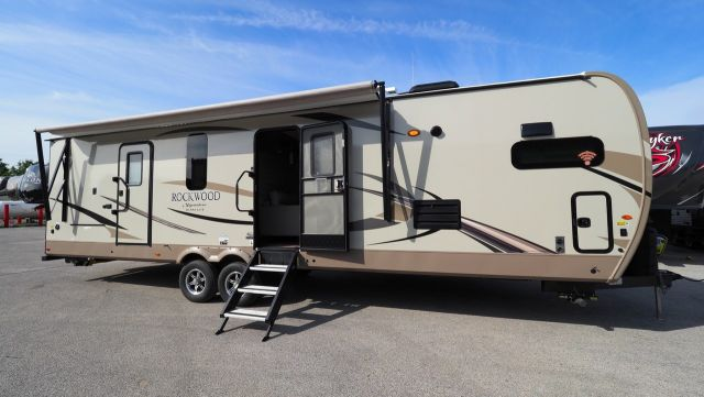 2019 Rockwood Signature Ultra Lite 8335BSS